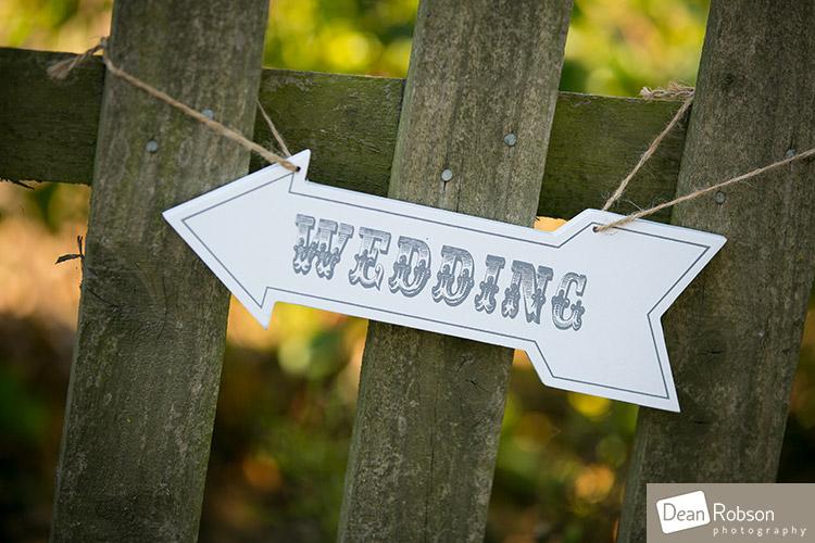 The-Garden-Barn-wedding_27