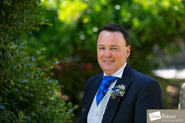 2014-Fanhams-Hall-Wedding-Photography_08