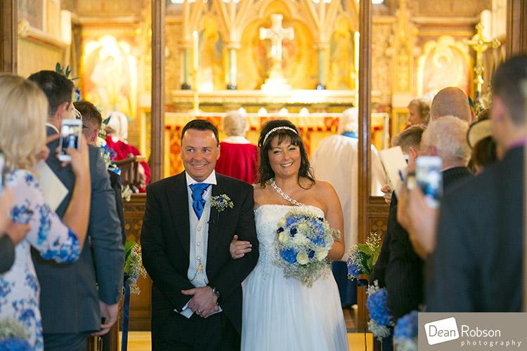 2014-Fanhams-Hall-Wedding-Photography_17