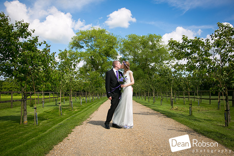 Reid-Rooms-Essex-Wedding-Photography_32
