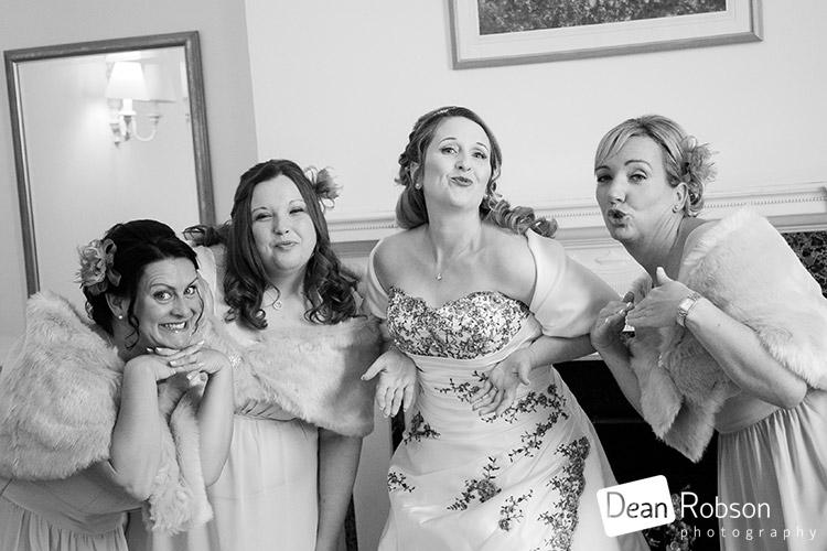 ware-priory-wedding-photography_09